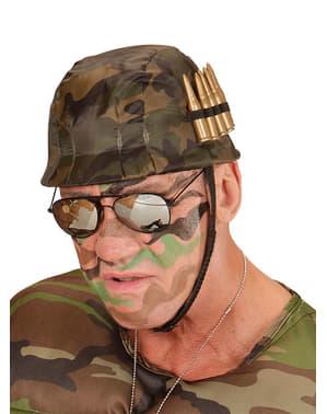 Kask żołnierza z nabojami dla dorosłych