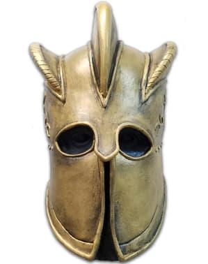 Възрастен е планинската игра на маски за престоли