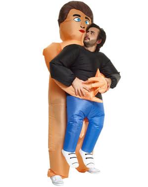 Aufblasbares Kostüm umarmender Mann für Erwachsene