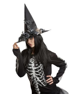 chapéu de bruxa com pormenores florais para mulher