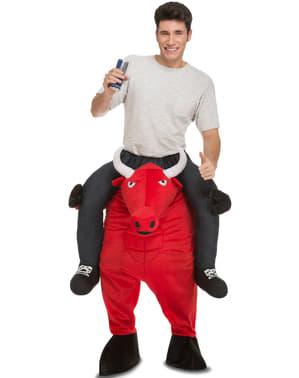 Fato às costas de touro vermelho
