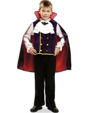 Нощният костюм на вампира на момчето