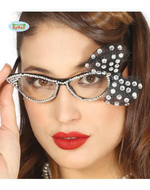 Diamante ve kadınlar için gümüş gözlükler