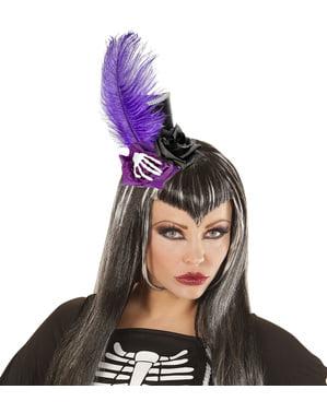 Mini sombrero gótico con plumas y huesos