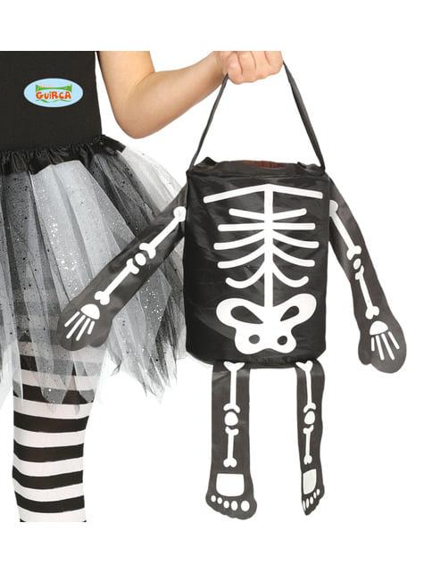 Cesta de truco o trato de esqueleto