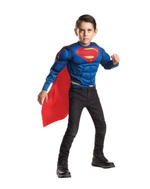एक बच्चे के लिए बैटमैन बनाम सुपरमैन की मांसपेशियों का प्रभाव सुपरमैन की पोशाक