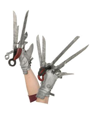 Hände von Edward mit den Scherenhänden