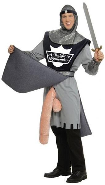 disfraz-de-guerrero-constantino-con-arma-en-forma-de-pepino