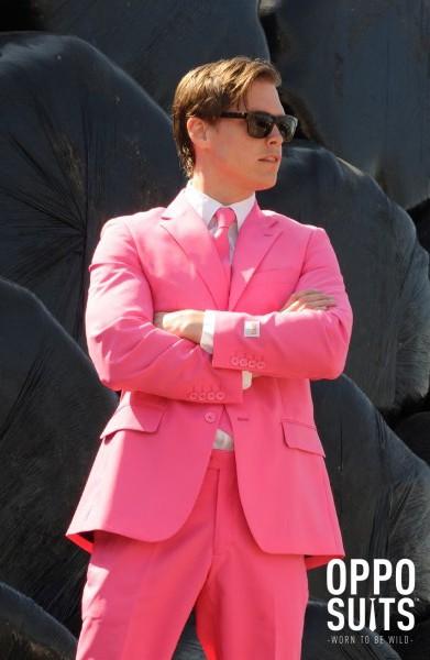 traje-mr-pink-opposuit