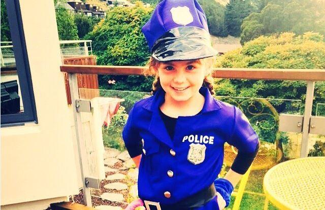 55c47a38b Disfraces de policía, presos y ladrones. ¿Eres la Ley o rompes las ...