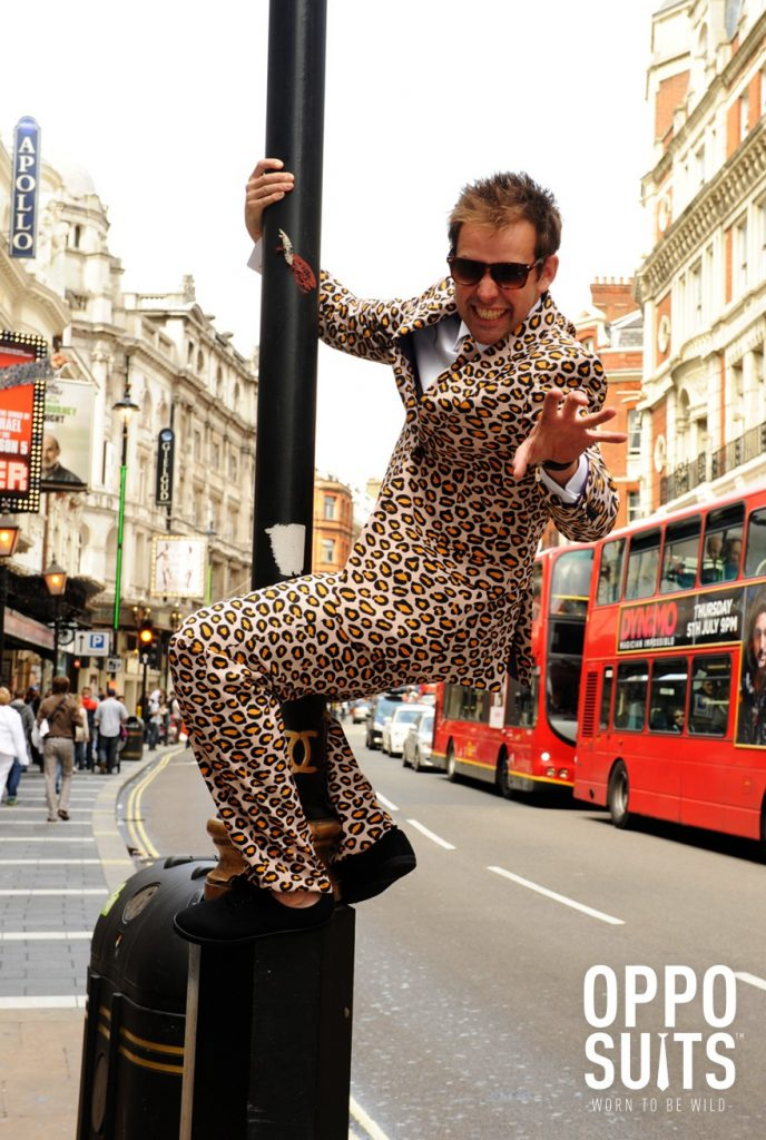 Traje opposuit leopardo