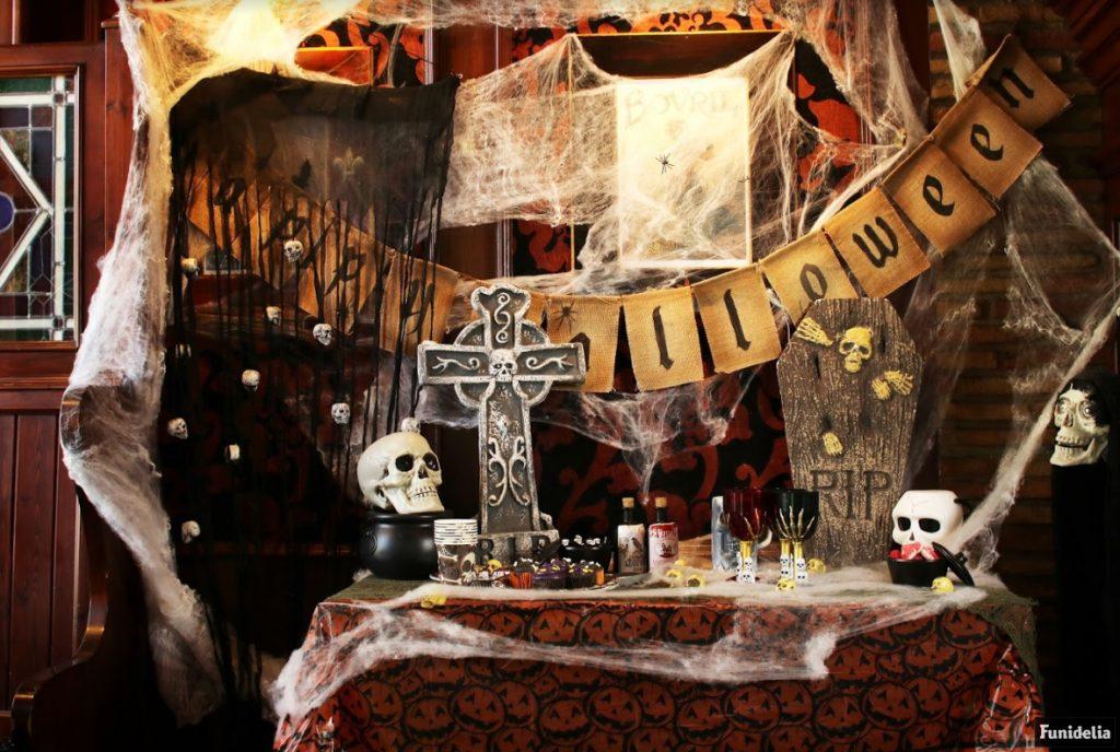 Die Halloween Dekoration Die Auf Deiner Horror Party Nicht Fehlen Darf