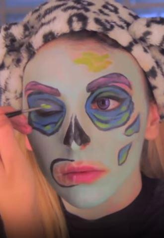 sara zombie pop art 5