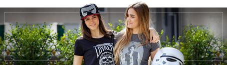 Nörttimäiset T-paidat naisille
